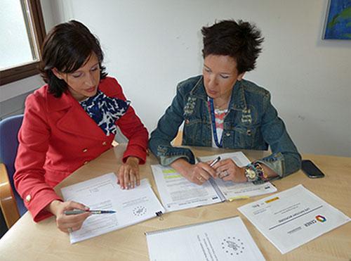 Firma del acuerdo entre Jofemar y CENER
