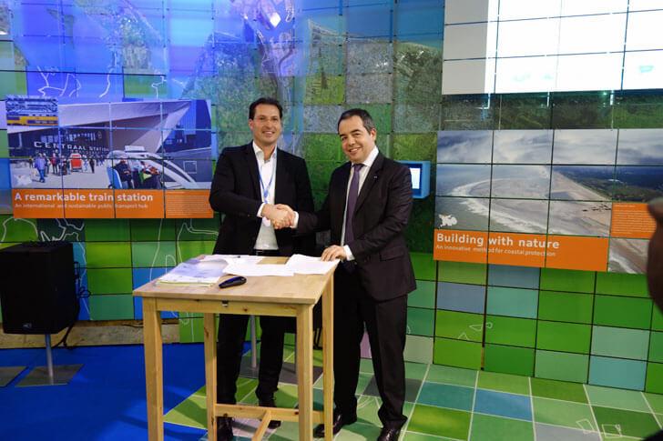 Firma entre Renault y Eneco