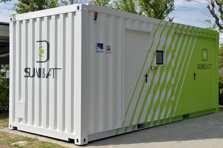 Contenedor o living lab para monitorizar las baterías del proyecto SUNBATT