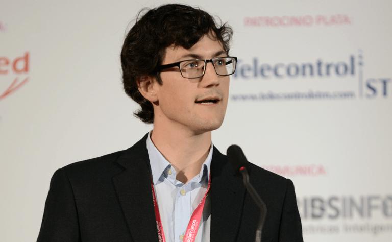 Alberto Escalera, Investigador Predoctoral de IMDEA Energía, en el III Congreso Smart Grids.