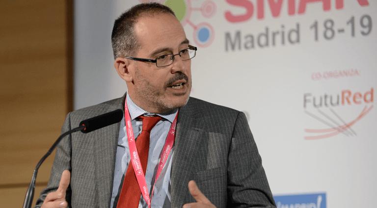 Jesús Fraile, Profesor Titular de la Universidad Politécnica de Madrid, durante su presentación en el III Congreso Smart Grids.