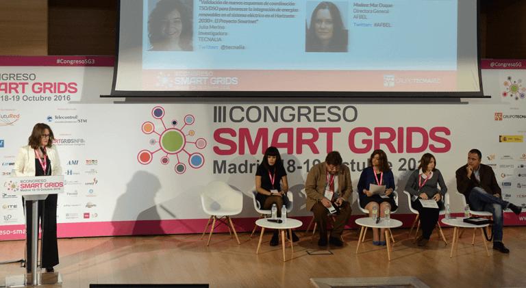 Ponentes del Primer Bloque de Ponencias en el III Congreso Smart Grids.