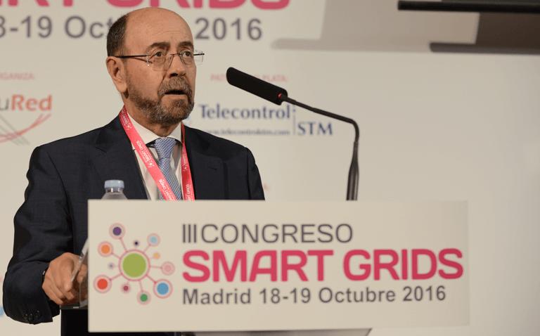 Emilio Mínguez, Director de la Escuela Técnica Superior de Ingenieros Industriales, durante la inauguración del III Congreso Smart Grids.