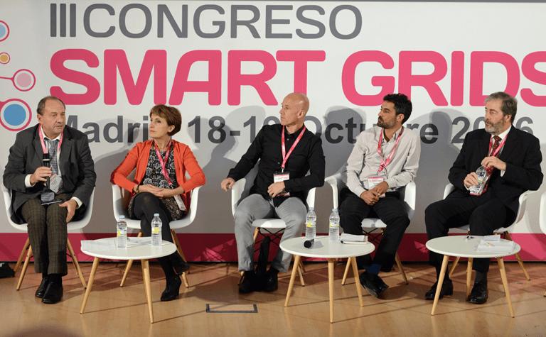 Participantes en la Mesa Redonda sobre Perfiles profesionales para las Smart Grids. Necesidades y Oportunidades