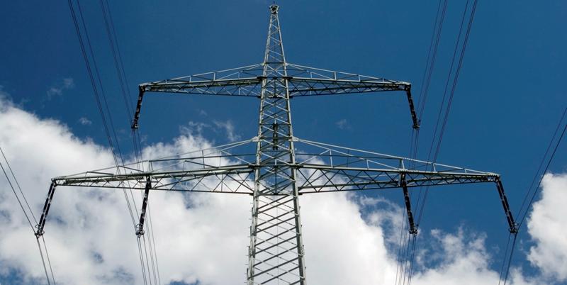 Torre de alta tensión de la red eléctrica europea