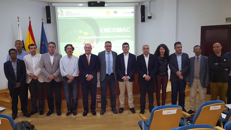 Asistentes a la reunión de lanzamiento del Proyecto ENERMAC, que potencia la independencia energética de La Macaronesia.