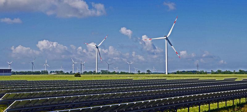Parque eólico y fotovoltaico.