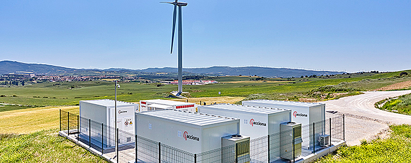 Primera planta híbrida de almacenamiento de electricidad en baterías integrada en un parque eólico.