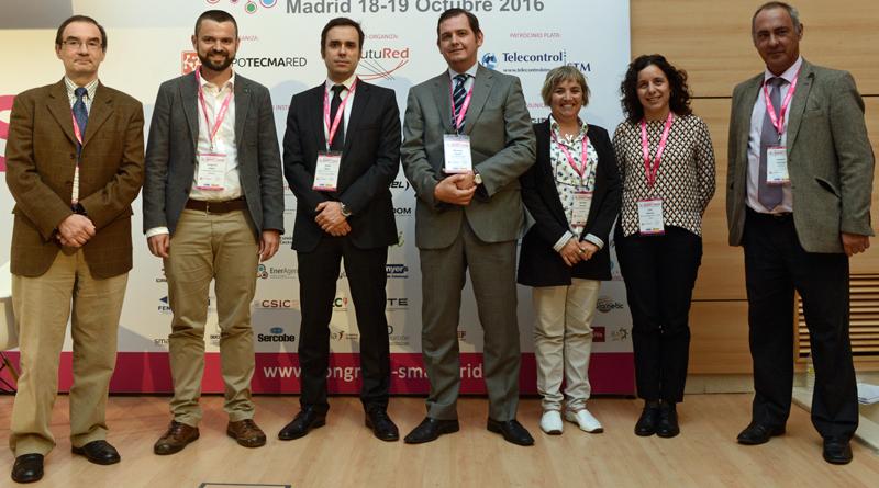 Joaquín Chacón, Aedive, con los integrantes de un Bloque de Ponencias del III Congreso Smart Grids