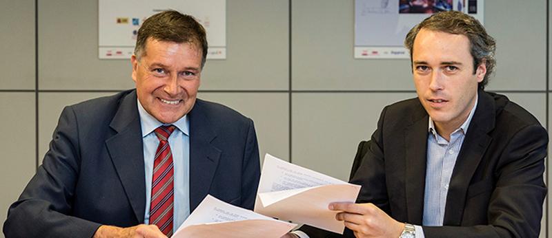 Valentín Estefanell, Director General de INYPSA y de Fernando Calisalvo, Director General de Yingli Europe