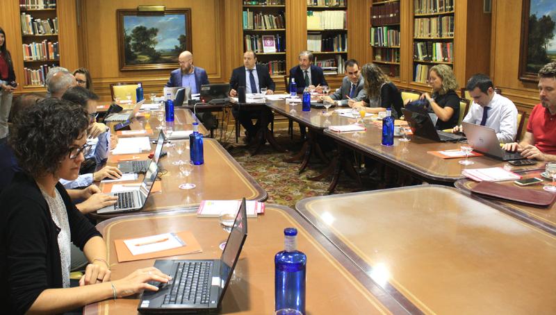 Los miembros del Comité Técnico del IV Congreso Smart Grids definen el Programa Final en la segunda Reunión de Comité Tecnico del IV Congreso Smart Grids.