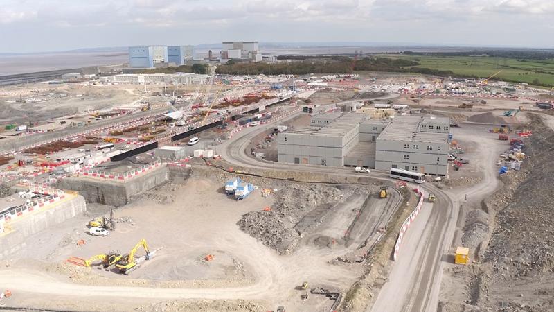 Vista aérea de la oficina norte y las galerías en construcción de Hinkley Point C.