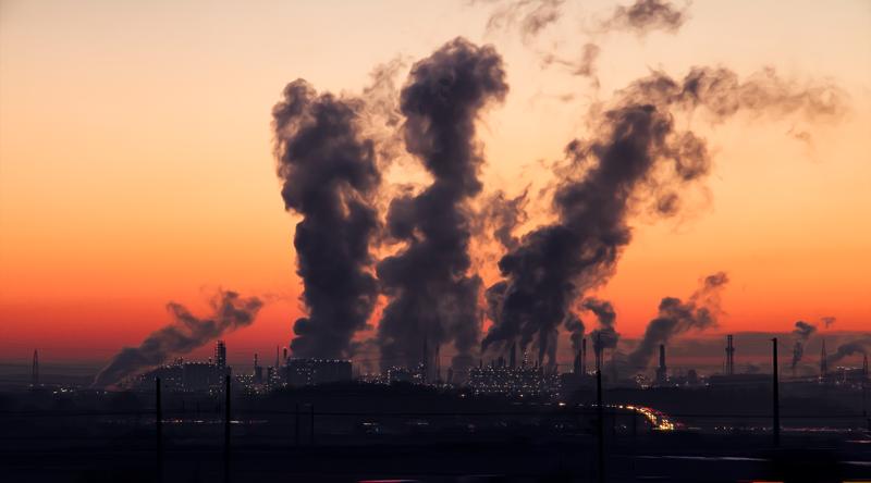 La Asociación Anpier pide al Gobierno que aplique las leyes para regular la publicidad que puede llevar a engaño de aquellas empresas energéticas que emiten sustancias nocivas para la salud y el medio ambiente.