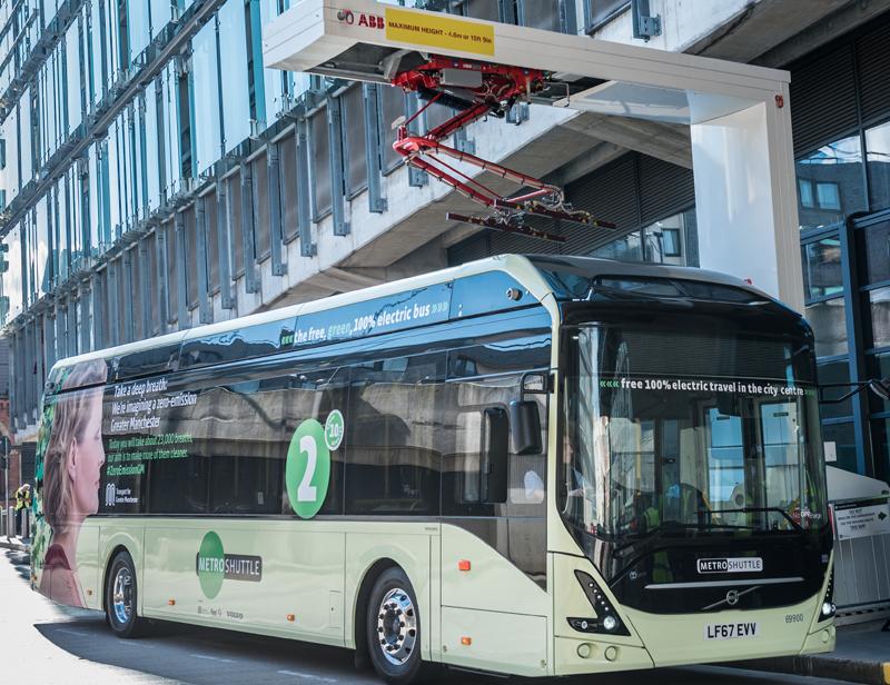 El sistema de recarga eléctrica está basado en el estandar OppCharge de ABB y completa la carga de la batería del autobús en un periodo de entre tres y seis minutos.