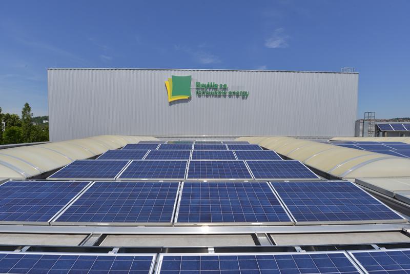 La herramienta genera un informe personalizado teniendo en cuenta las normativas para predecir la rentabilidad a largo plazo de una instalación de autoconsumo fotovoltaico.