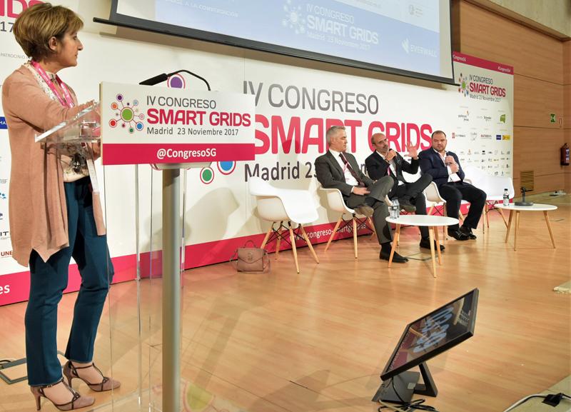 Blanca Gómez, Directora de la Confederación Nacional de Instaladores, moderó el Tercer Bloque de Ponencias en el IV Congreso Smart Grids.