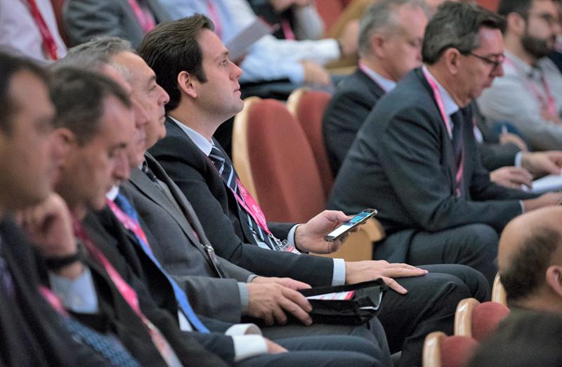 Congresistas atendiendo a las ponencias del IV Congreso Smart Grids.