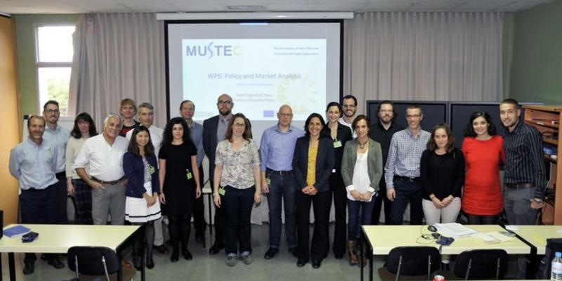 Asistentes a la reunión de presentación del proyecto europeo MUSTEC para la promoción de la electricidad solar térmica de concentración a través de la cooperación.