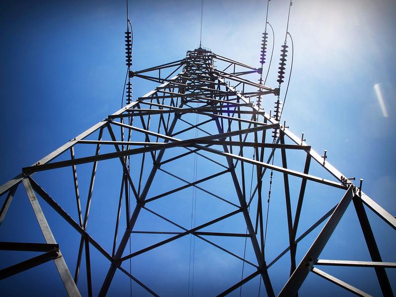 Se han subastado un total de 8 bloques de 90 megavatios (MW) y de 376 bloques de 5 MW.