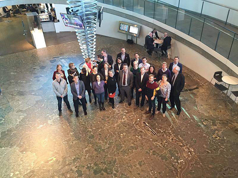 Asistentes a la reunióndelPartenariado de Transición Energética en el Ayuntamiento de Londres.
