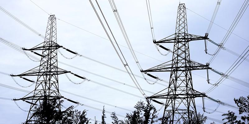 El reglamento permite a los consumidores del sistema eléctrico de Colombia generar y vender energía a la red nacional con incentivos para quienes utilicen fuentes renovables.