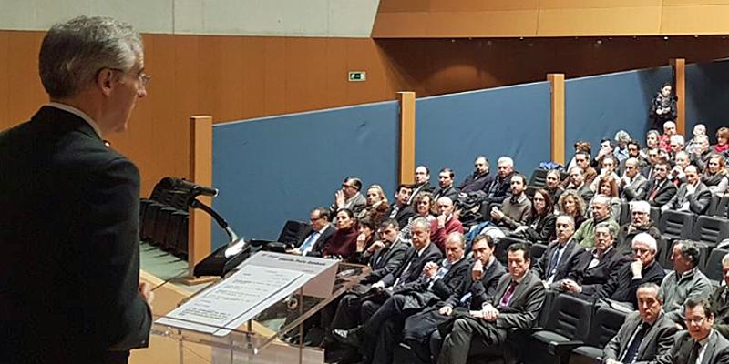 El consejero deEconomía, Empleo e Industria, Francisco Conde, avanzo aspectos de las Directrices Energéticas Galicia 2018-2020 que se basará en el ahorro energético mediante la rebaja del consumo y el impulso a los recursos propios.