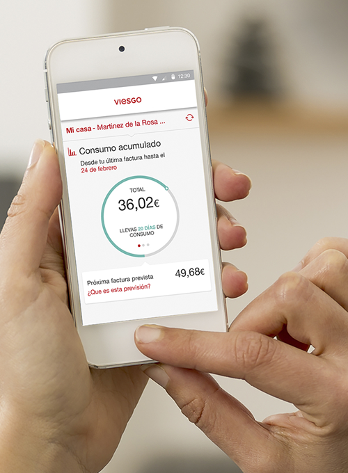 App Tu Oficina Online en un smartphone.