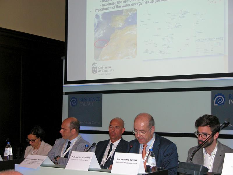 Pedro Ortega, consejero del Gobierno canario, en la conferencia celebrada en Bruselas.