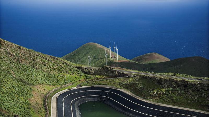 Los estudios del Instituto Tecnológico de Canarias (ITC) indicaron qué mejoras en el sistema se podían llevar a cabo para incrementar la capacidad de gestión de la central hidroeléctrica de Gorona del Viento en El Hierro.