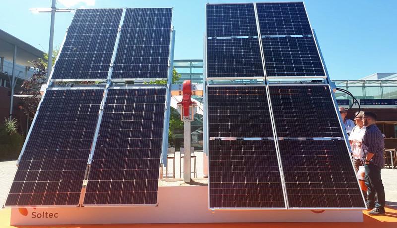 Seguidores solares bifaciales presentados por Soltec en la feria Genera 2018.