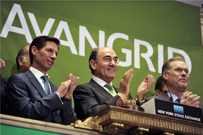 James Torgerson, CEO de AVANGRID -a la izquierda-, e Ignacio Galán, presidente del grupo Iberdrola, durante la salida a bolsa en Nueva York de la nueva sociedad estadounidense