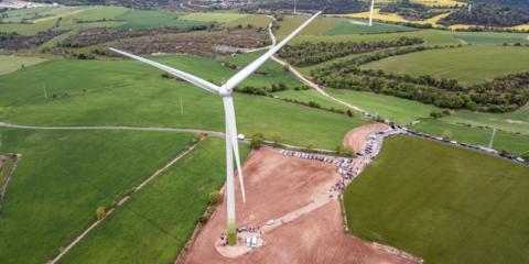Energía verde de propiedad compartida en el primer molino eólico comunitario del sur de Europa