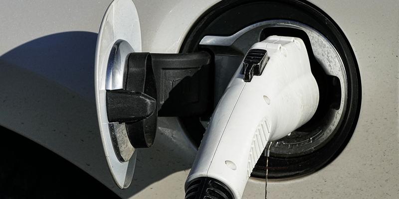 Cargador vehículo eléctrico.