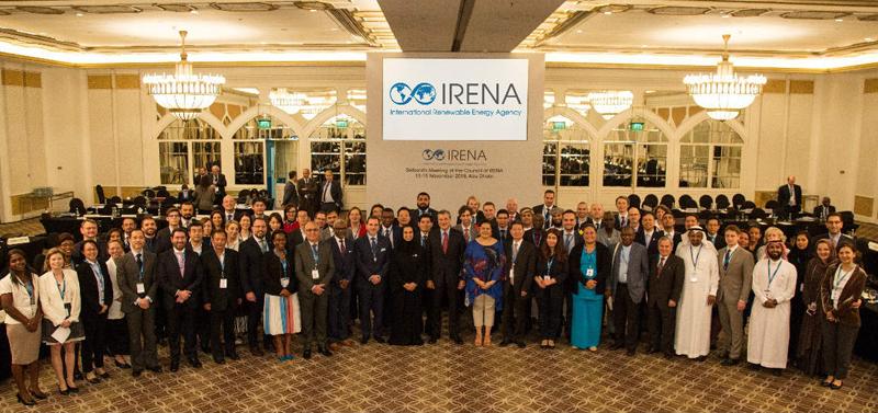 Foto de familia de los asistentes al XVI Consejo de Irena.