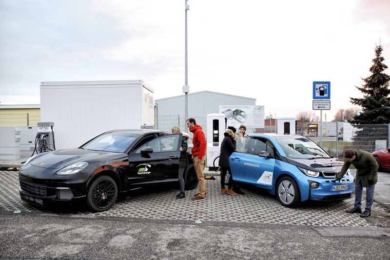 Perspectivas en la primera estación pública de alta potencia. Carga de vehículos eléctricos de hasta 450kW