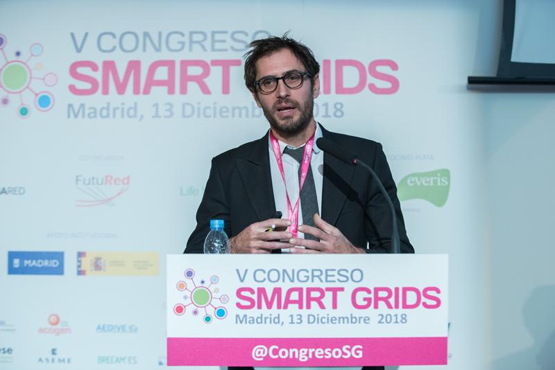 Matthieu Mounier, de Schneider Electric, durante la ponencia en el V Congreso Smart Grids.