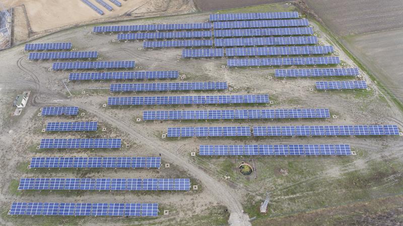 Vista aérea de la planta fotovoltaica de Som Energia en Ávila.