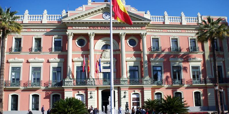 El Ayuntamiento de Murcia ha firmado un convenio con Iberdrola para que colabore y asesore en el proyecto de smart city que desarrolla la ciudad, en materia de red eléctrica inteligente, eficiencia, ahorro y movilidad eléctrica.