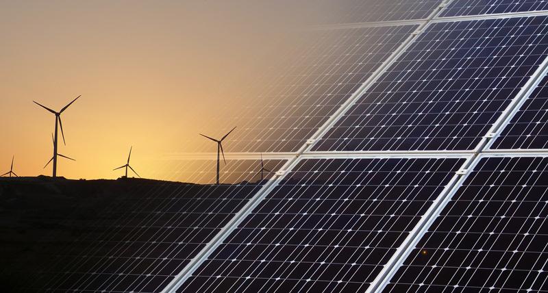 El estudio analiza las diferentes energías renovables por tecnologías, que son: fotovoltaicos, eólicos, termosolares, eólica marina y biomasa.