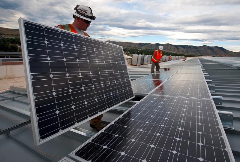 Los proyectos fotovoltaicos tendrán una potencia de 320 MW y se construirán en Andalucía, Castilla la Mancha y Murcia.