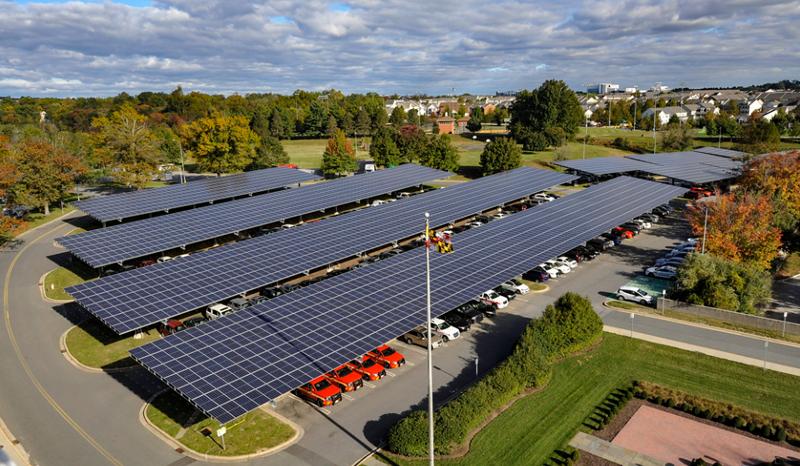 Paneles fotovoltaicos en aparcamientos