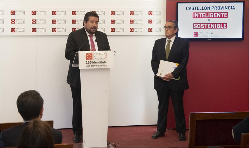 El presidente de la Diputación, Javier Moliner, y el director de Iberdrola Distribución de la Comunidad Valenciana, Bonifacio Álvarez, dieron a conocer el despliegue de la red eléctrica inteligente de Iberdrola