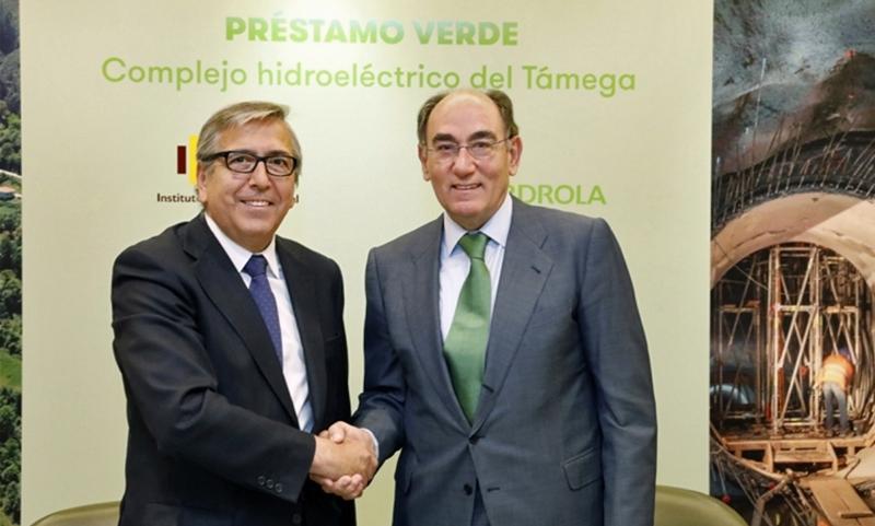 El presidente de la compañía, Ignacio Galán, y el del Instituto, José Carlos García de Quevedo