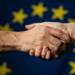 Lanzan un fondo de 100 millones de euros para apoyar inversiones en energía limpia en la Unión Europea