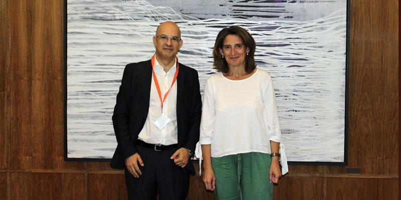 Jorge Barredo, presidente de UNEF, y Teresa Ribera, Ministra para la Transición Ecológica