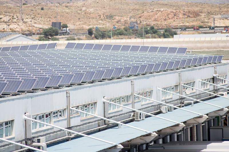 placas fotovoltaicas en instalación mercalicante