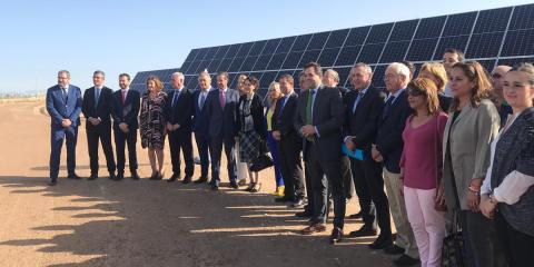 El municipio manchego de El Casar inaugura una planta fotovoltaica con seguidores solares para orientar los paneles