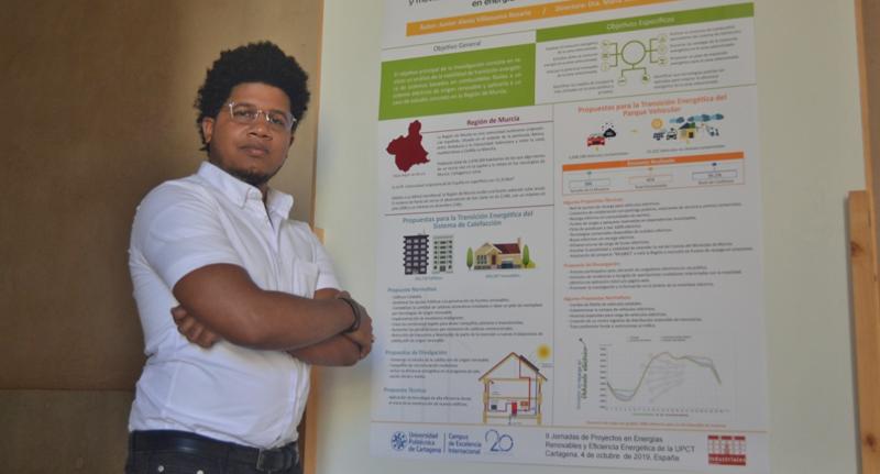 Junior Villanueva, alumno del Máster Universitario en Energías Renovables de la UPCT