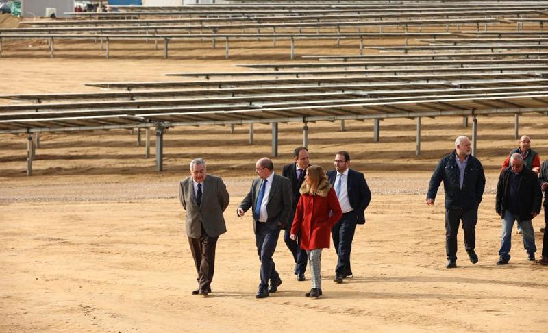 Durante la inauguración del parque fotovoltaico.