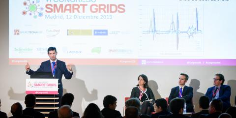 Inversores solares híbridos en modo autónomo. Una comparativa real entre balance neto y autoconsumo